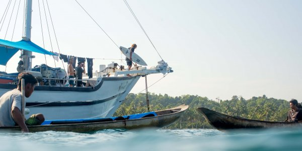 Surf Charter boat, surf travel, world surfaris, indonesia