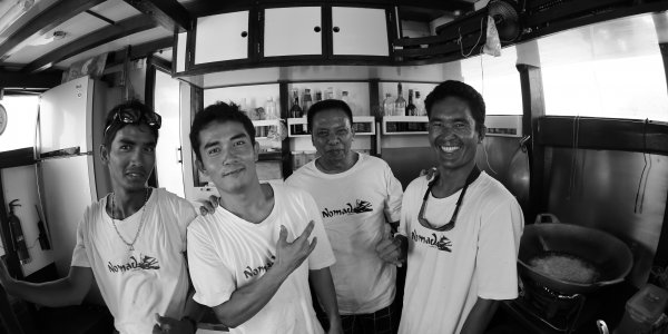 Nomad crew, mentawais, black and white